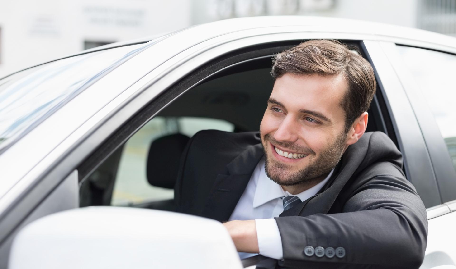 Autopožičovňa Ella Martin - profesionálny vodič