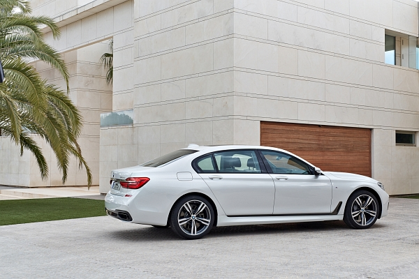 Car rental Ella Martin BMW 740D xDrive